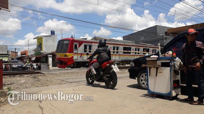 Petugas Kunjung Digaji, Palang Pintu Kereta Di Bojonggede Terancam Ditutup !