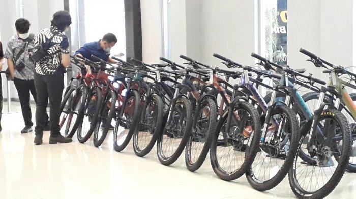 Permintaan sepeda di Pabrik United Bike Bogor masih mengalami peningkatan di masa pandemi Covid-19, Kamis (2/13/2020).
