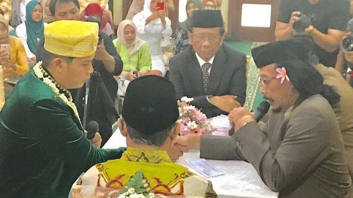 Jadi Saksi Nikah, Mahfud MD Ceritakan Mahar Unik yang Diminta Sudjiwo Tedjo ke Mantu: Hampir Diutang