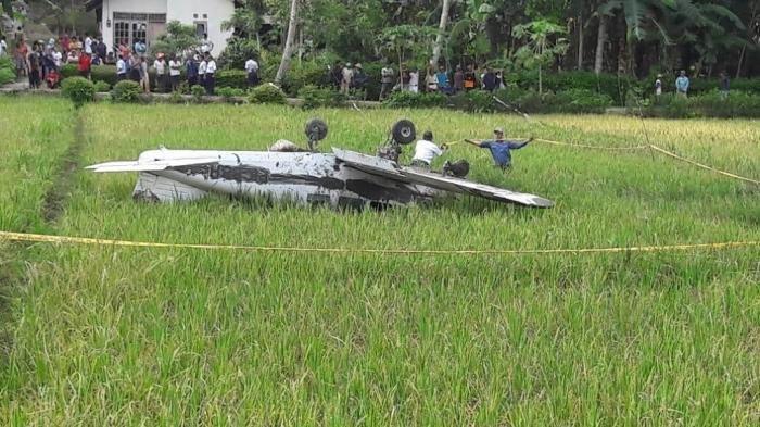 KNKT Tinjau Lokasi Pesawat Latih Jatuh Di Cilacap