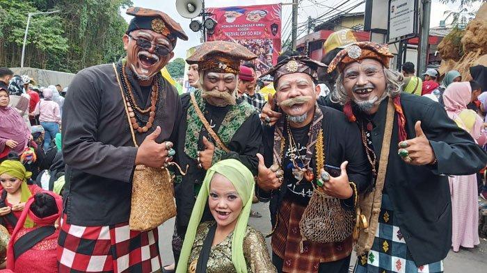 Gerombolan Kakek dan Nenek Ikut Meriahkan Bogor Street Festival CGM 2020