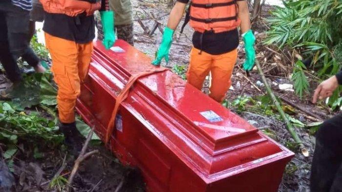 Heboh Peti Mati Hanyut di Sungai, Terungkap Ternyata Sengaja Dibuang