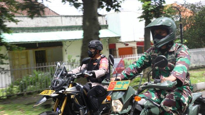 Tim siaga dari unsur TNI-Polri, Polresta Bogor Kota, Kodim 0606/Kota Bogor bersama Satpol PP Kota Bogor terus melakukan patroli baik di pusat kota maupun di wilayah.
