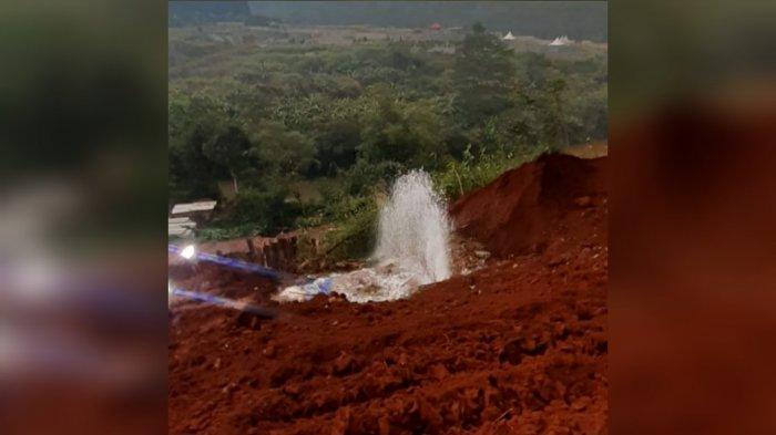 Pipa PDAM Tirta Pakuan Bocor di Lokasi Proyek Double Track, Pasokan Air di Kota Bogor Terdampak