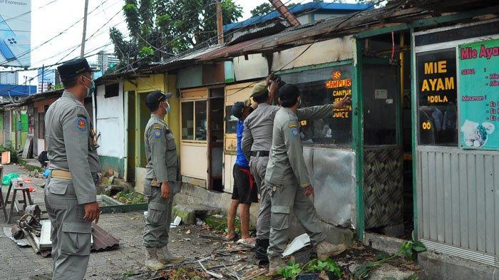 Belasan Lapak PKL di Kawasan Jambu Dua Bogor Ditertibkan Satpol PP