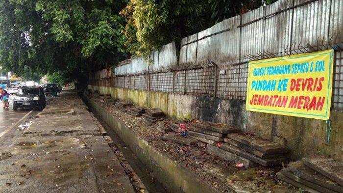 Taman Topi Jadi Alun-alun Kota, Pedagang Sepatu di Jalan Dewi Sartika Tinggal Cerita