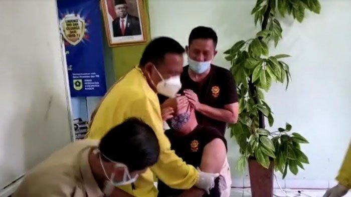 Sempat Ada Petugas yang Ketakutan Disuntik Vaksin, Camat Cisarua Bogor : Alhamdulillah Lancar