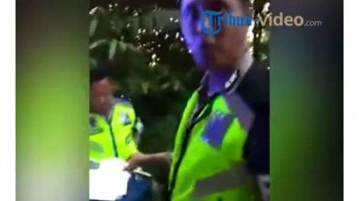 Cari-Cari Keselahan Sopir Truk Cabai Untuk Ditilang, 2 Oknum Polisi Dicopot dari Jabatan