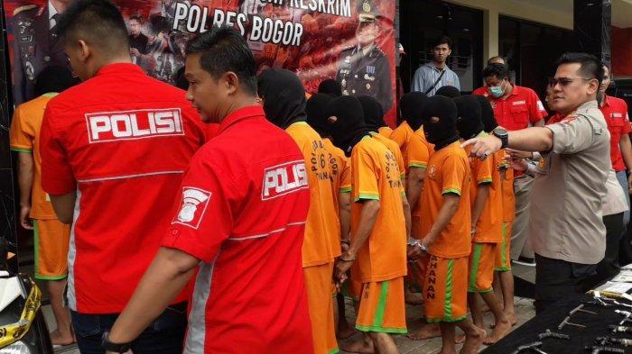 BREAKING NEWS - Polres Bogor Ringkus 31 Pelaku Maling Motor, Puluhan Sepeda Motor Jadi Barang Bukti