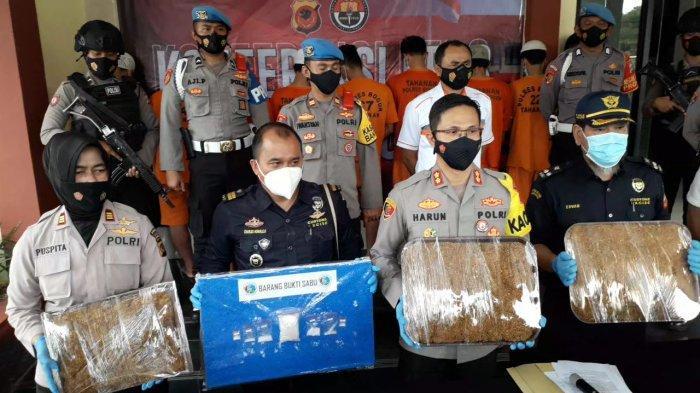 BREAKING NEWS - 10 Tersangka Kasus Narkoba Diringkus Polres Bogor, Sabu dan Tembakau Gorila Disita