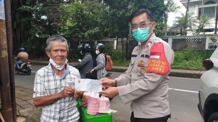 Jadi Korban Penodongan, Mang Epen Penjual Arum Manis di Bogor Terima Bantuan