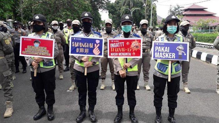 BREAKING NEWS - Massa Buruh Tolak Omnibus Law Kepung Kantor Bupati Bogor, Polwan: Saranghae
