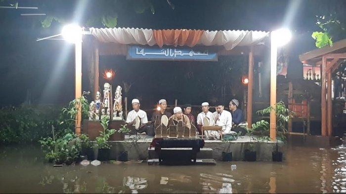 Ponpes Assyifa Bojonggede Bogor Gelar Perpisahan Ditengah Banjir: Jarak Jadi Terjaga