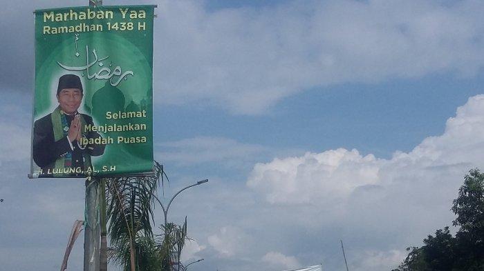 Poster Wajahnya Bertebaran di Cibinong, Haji Lulung Nyalon Bupati Bogor ?