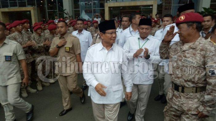 Pidato Prabowo Indonesia Bubar 2030, Presiden Tertawa, Anak Amien Rais Sependapat dengan Fadli Zon