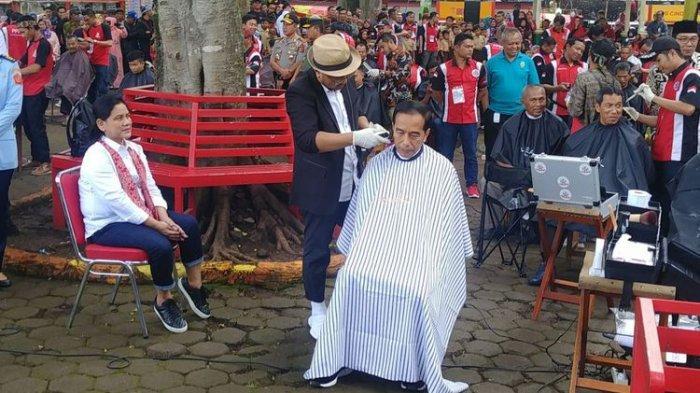 Jokowi Ikut Cukur Massal di Garut, Ridwan Kamil Hanya Menonton