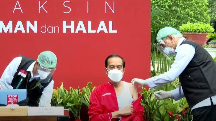 Presiden Jokowi Disuntik Vaksin Covid Sinovac oleh Wakil Ketua Dokter Kepresidenan Prof dr Abdul Muthalib, Rabu (27/1/2021)