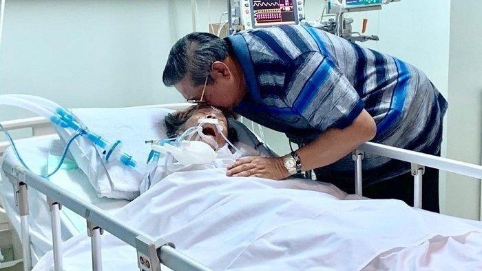 BREAKING NEWS - Ibunda SBY Siti Habibah Dikabarkan Meninggal Dunia