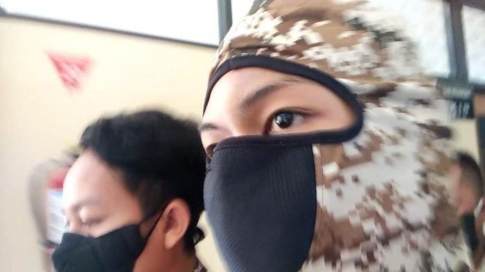 Pemuda di Sumedang Ngamuk Tantang Polisi dan TNI, Ngaku Kerasukan Saat Ditangkap