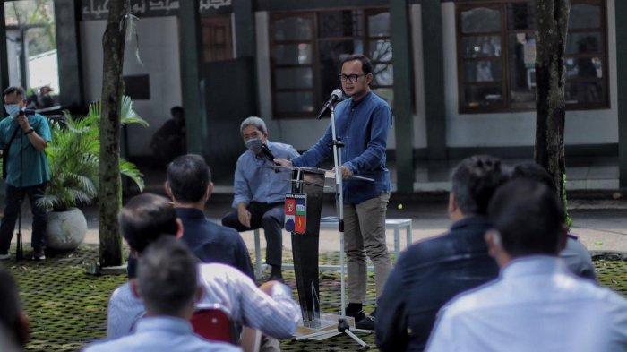 Program Orang Tua Asuh yang baru diluncurkan Pemkot Bogor saat briefing staf di SMK Negeri 2, Kelurahan Tanah Baru, Kecamatan Bogor Utara, Selasa (20/4/2021).