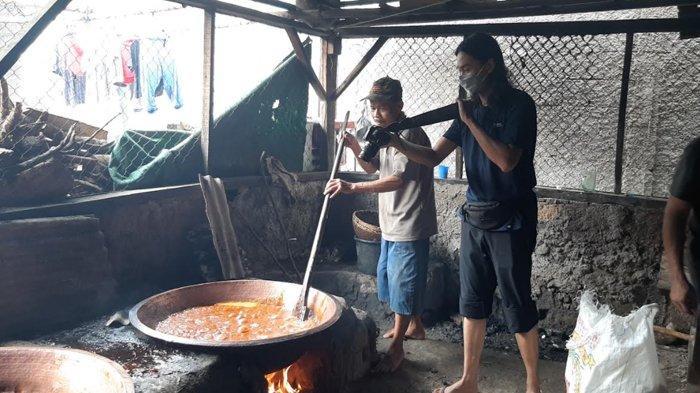 H-9 Lebaran, Produsen Dodol di Bojonggede Bogor Banjir Orderan