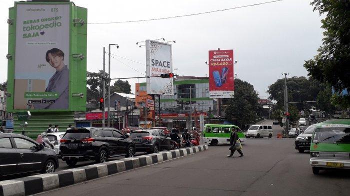 Arus Kendaraan di Simpang Warung Jambu Saat Ini Terpantau Ramai Lancar
