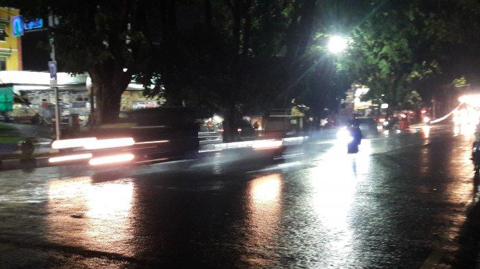 Info Lalu Lintas - Jalan Raya Pajajaran Malam Ini Ramai Lancar, Hati-hati Jalan Licin