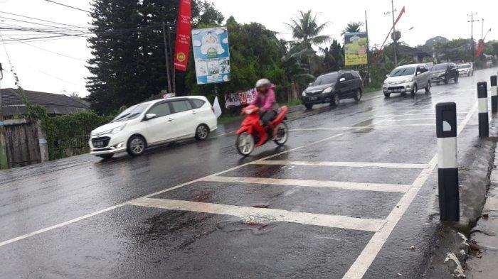 Satu Arah ke Jakarta, Jalur Puncak Hujan Gerimis saat Ini Pengendara Diimbau Hati-hati