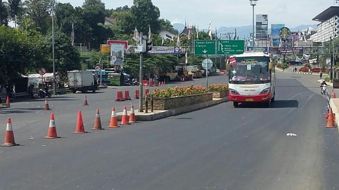 Saat Ini Jalur Puncak Satu Arah ke Jakarta