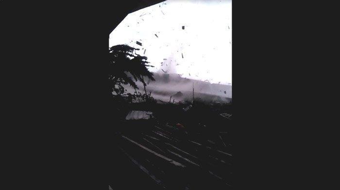 Angin Puting Beliung Porak Porandakan 3 Desa dan 1 Kelurahan di Kabupaten Bandung