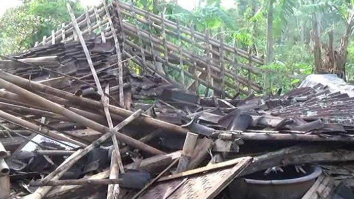 Hujan Deras Disertai Puting Beliung di Cianjur, 1 Orang Tewas Tertimpa Tembok