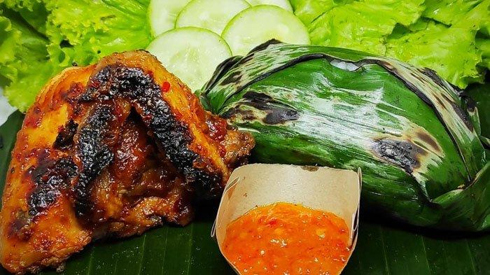Icip Ayam Bumbu Rujak Ala Qebul Ayam Bakar, Pedasnya Dijamin Bikin Ketagihan