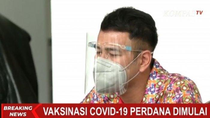 Raffi Ahmad saat menerima vaksin Covid-19 di Istana Negara, Rabu (13/1/2020).
