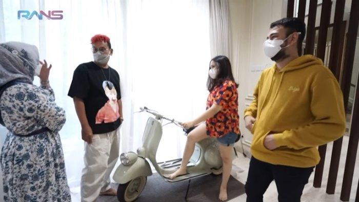Raffi Ahmad Tukar Tambah Vespa Kado Ulang Tahun dengan Mobil Uya Kuya, Nagita Slavina : Kamu Tega