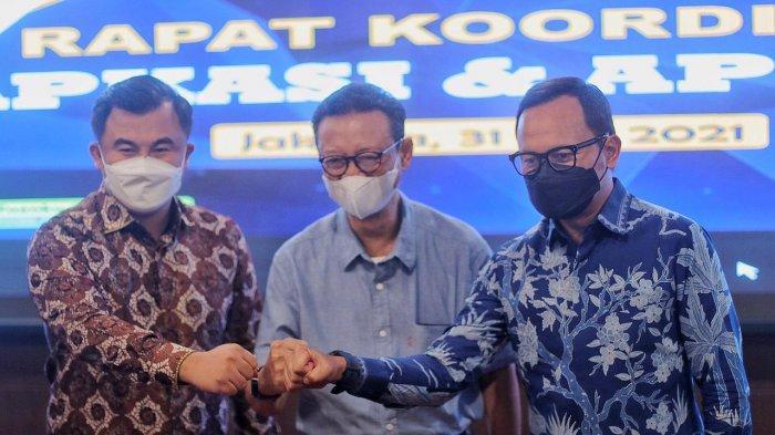 Rapat koordinasi perdana digelar Asosiasi Pemerintah Kabupaten Seluruh Indonesia (APKASI) dan Asosiasi Pemerintah Kota Seluruh Indonesia (APEKSI) di Jakarta, Senin (31/5/2021).