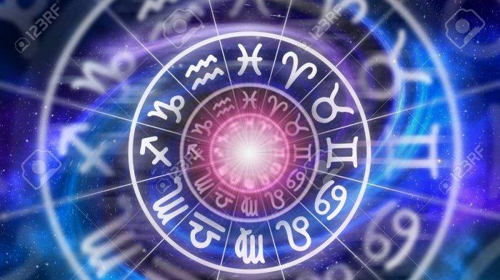 Ramalan Zodiak Asmara Selasa 16 Maret 2021, Aquarius Jangan Buat yang Mudah Jadi Rumit
