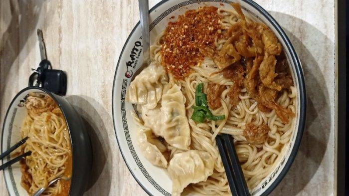 Makan Ramen Ala Jepang di Bogor, Pakai Topping Gyoza