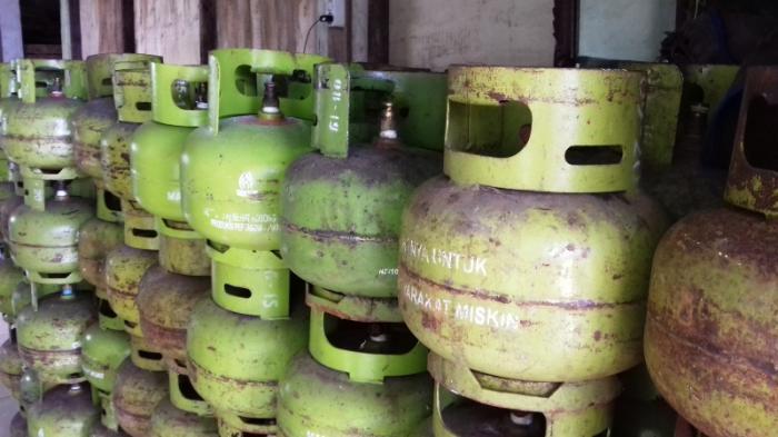 Ketahuan Pakai Gas 3 Kg, Pemilik Restoran Gelagapan Ditanya Petugas Disperindag