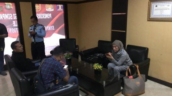 Soal Kabar Ratna Sarumpaet Akan ke Cile, Tim Prabowo-Sandi Kaget : Dia Sedang Bermasalah Hukum
