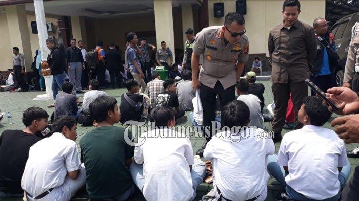 178 Pelajar Kota Bogor Diamankan saat Akan Berangkat Demo ke Jakarta, Ada yang Membawa Celurit