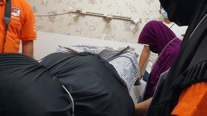 Kaget Lihat Test Pack Positif, RS Ajak Pacarnya ke Klinik Aborsi Ilegal, Janinnya Dibuang ke Kloset