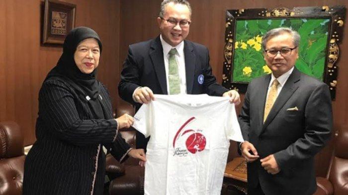 Kunjungan ke Tokyo, Rektor IPB Terima Kaus 60 Tahun Hubungan Indonesia-Jepang