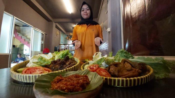 Makan Ayam di Imah Awi Ayam Bangkok, Rasanya Lezat Sambalnya Bikin Berkeringat