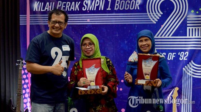Reuni Kilau Perak SMP Negeri 1 Kota Bogor Berikan Penghormatan Kepada Para Guru
