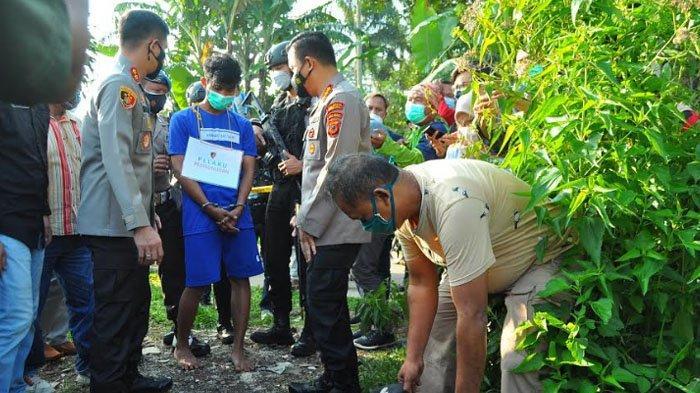 Kapolresta Bogor Kota Kombes Pol Susatyo Purnomo Condro saat proses penyidikan bersama Kapolres Bogor AKBP Harun di lokasi pembunuhan kedua, yakni di area kebun kosong di Puncak Bogor, Kamis (11/3/2021).
