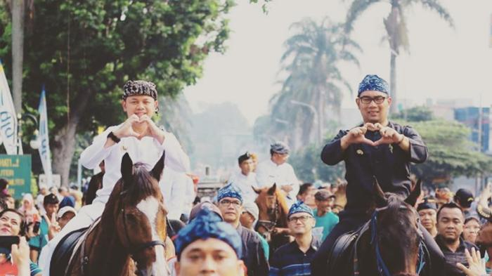 Ridwan Kamil Posting Foto Berkuda Bareng Bima Arya, Netizen: