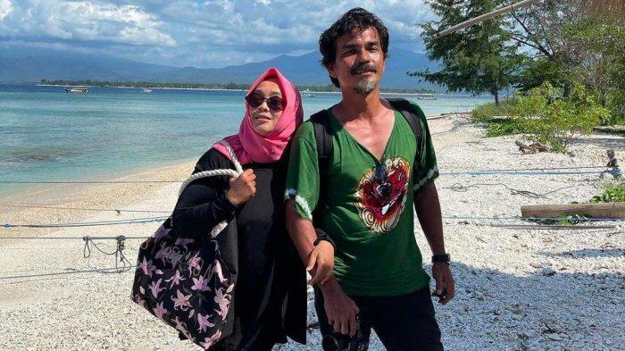 Ditinggal Rina Gunawan, Teddy Syach Nangis Teringat Komunikasi Terakhir dengan Istri : Dadah Dadah