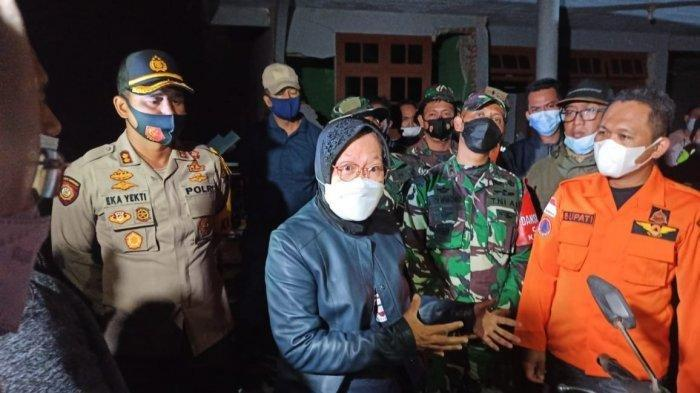 Sambangi Korban Gempa Malang, Mensos Risma Terjunkan 700 Personel Tagana