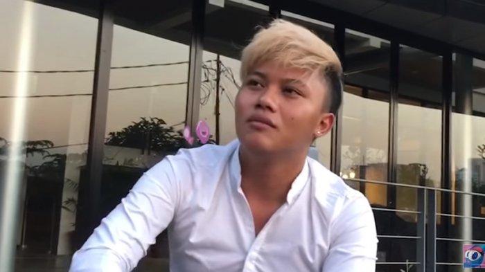 Rizky Febian Persembahkan Lagu Kasih Putih untuk Sang Ibu, Lina