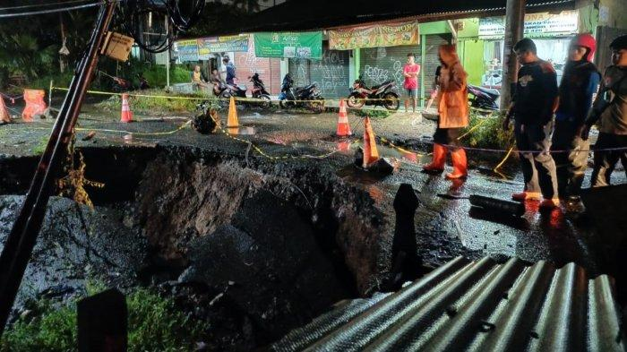 Jalan Setu Asem Kota Bogor Amblas, Mobil Kini Tak Bisa Melintas